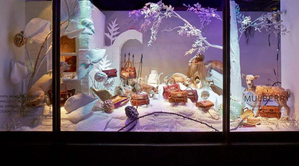 best-window-displays_mulberry_2013_christmas_harrods_01