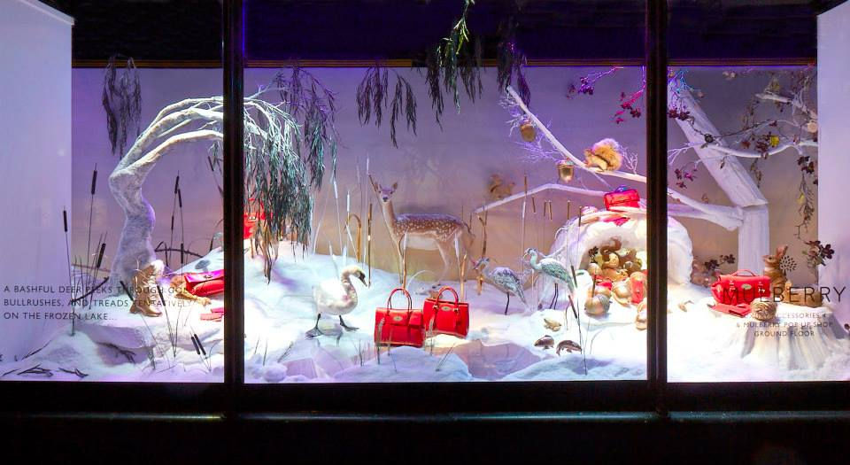 best-window-displays_mulberry_2013_christmas_harrods_03