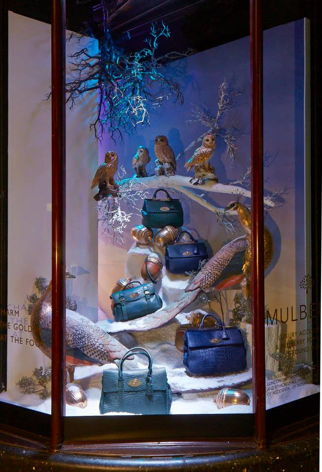best-window-displays_mulberry_2013_christmas_harrods_04
