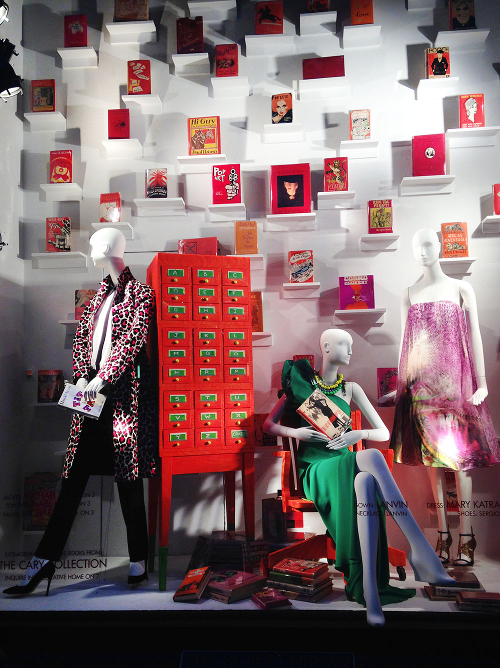best-window-displays_bergdorf-goodman_2014_spring_the-cary-collection_02