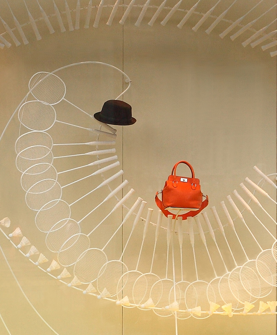 best-window-displays_hermes_2014_a-sporting-life_design-systems-ltd_02