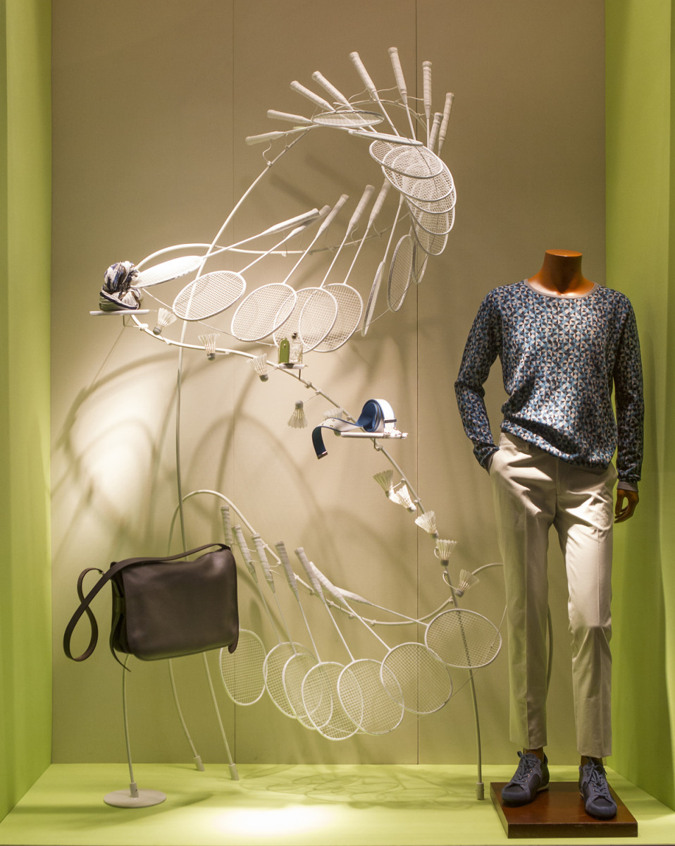 best-window-displays_hermes_2014_a-sporting-life_design-systems-ltd_03
