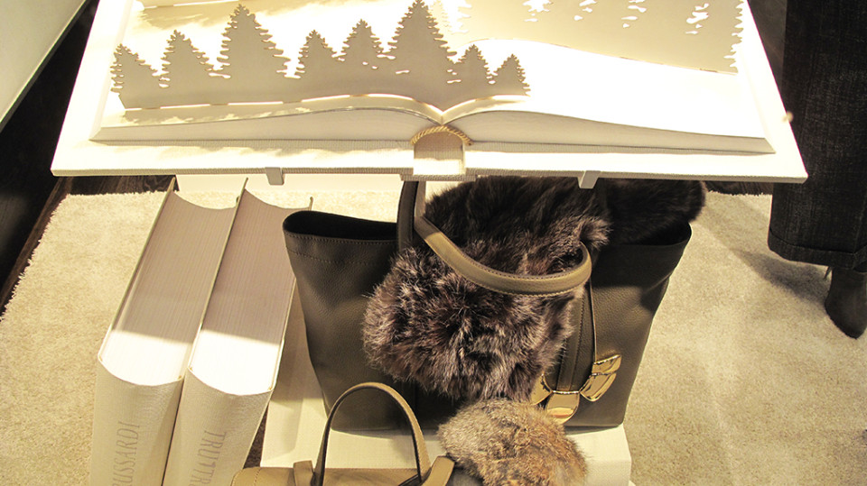 best-window-displays_trussardi_2013_christmas_03