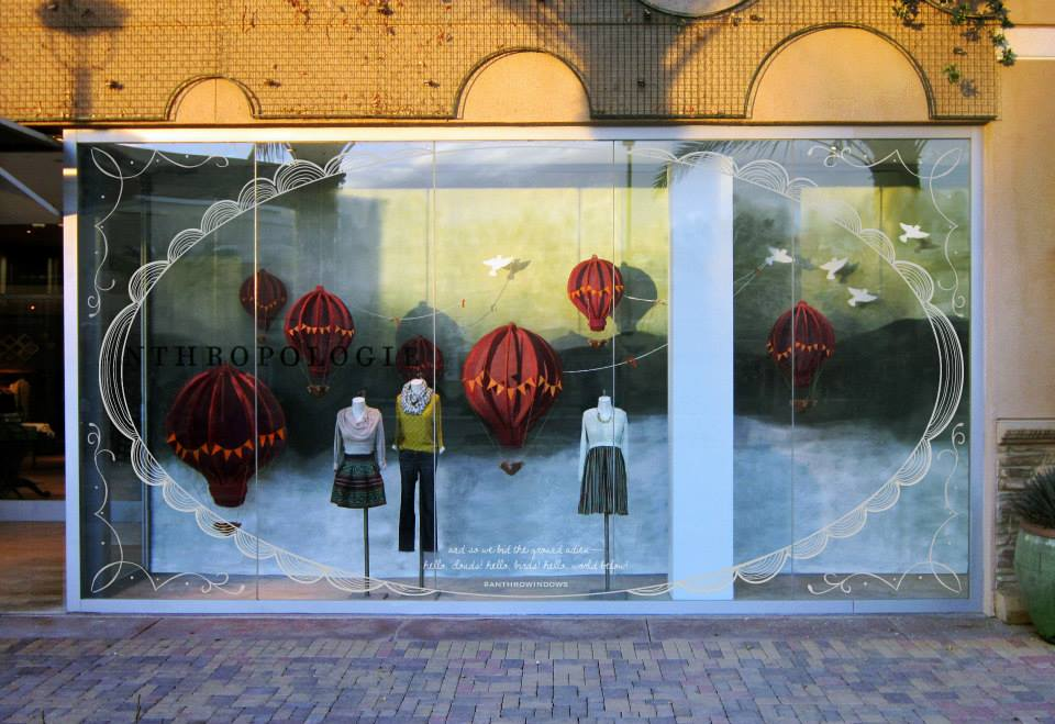 best-window-displays_anthropologie_2014_spring_hot-air-balloons_02