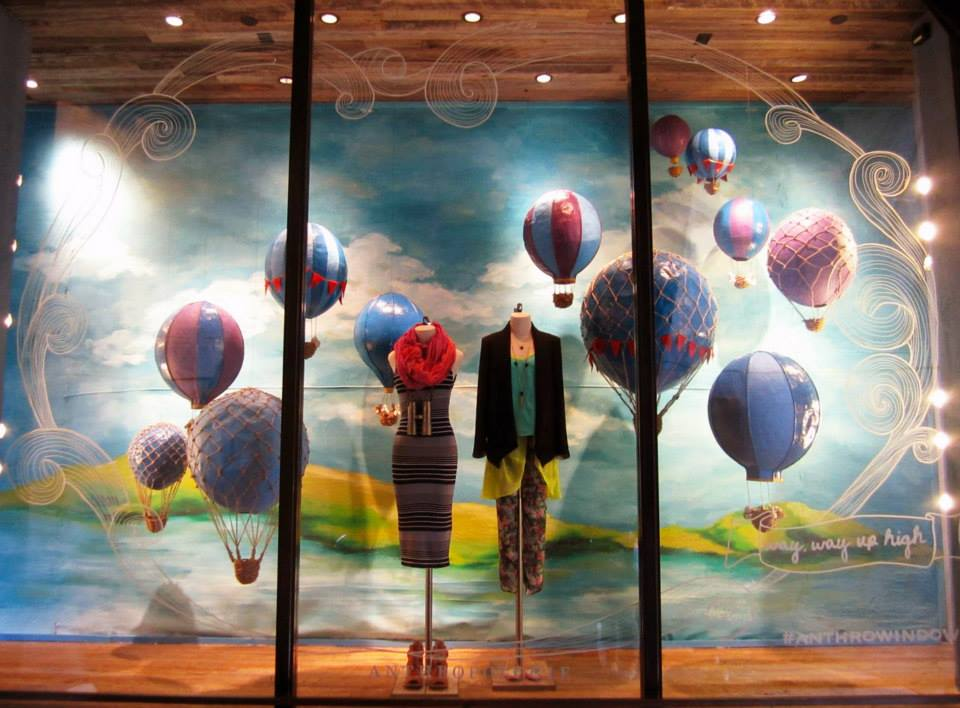 best-window-displays_anthropologie_2014_spring_hot-air-balloons_09