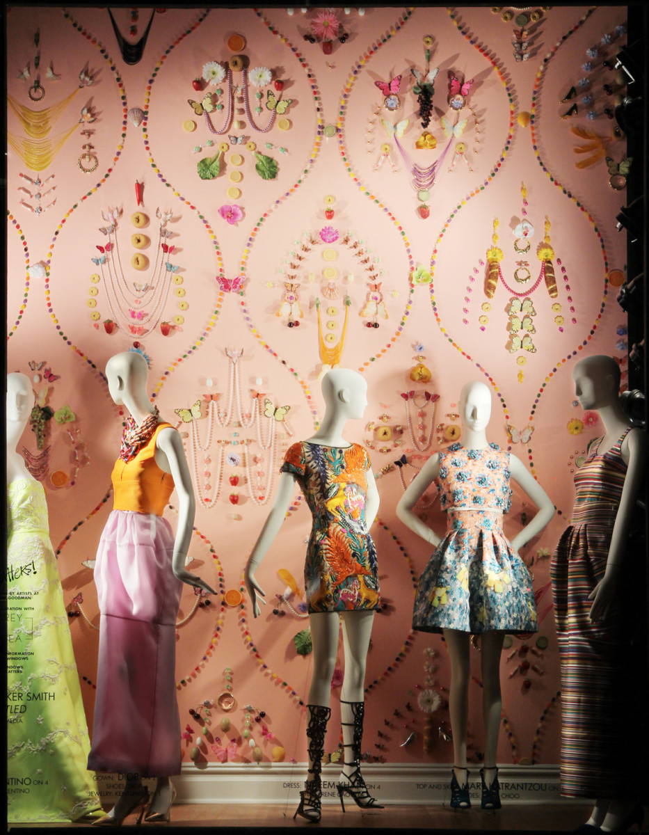 best-window-displays_bergdorf-goodman_2014_spring_art-matters_04