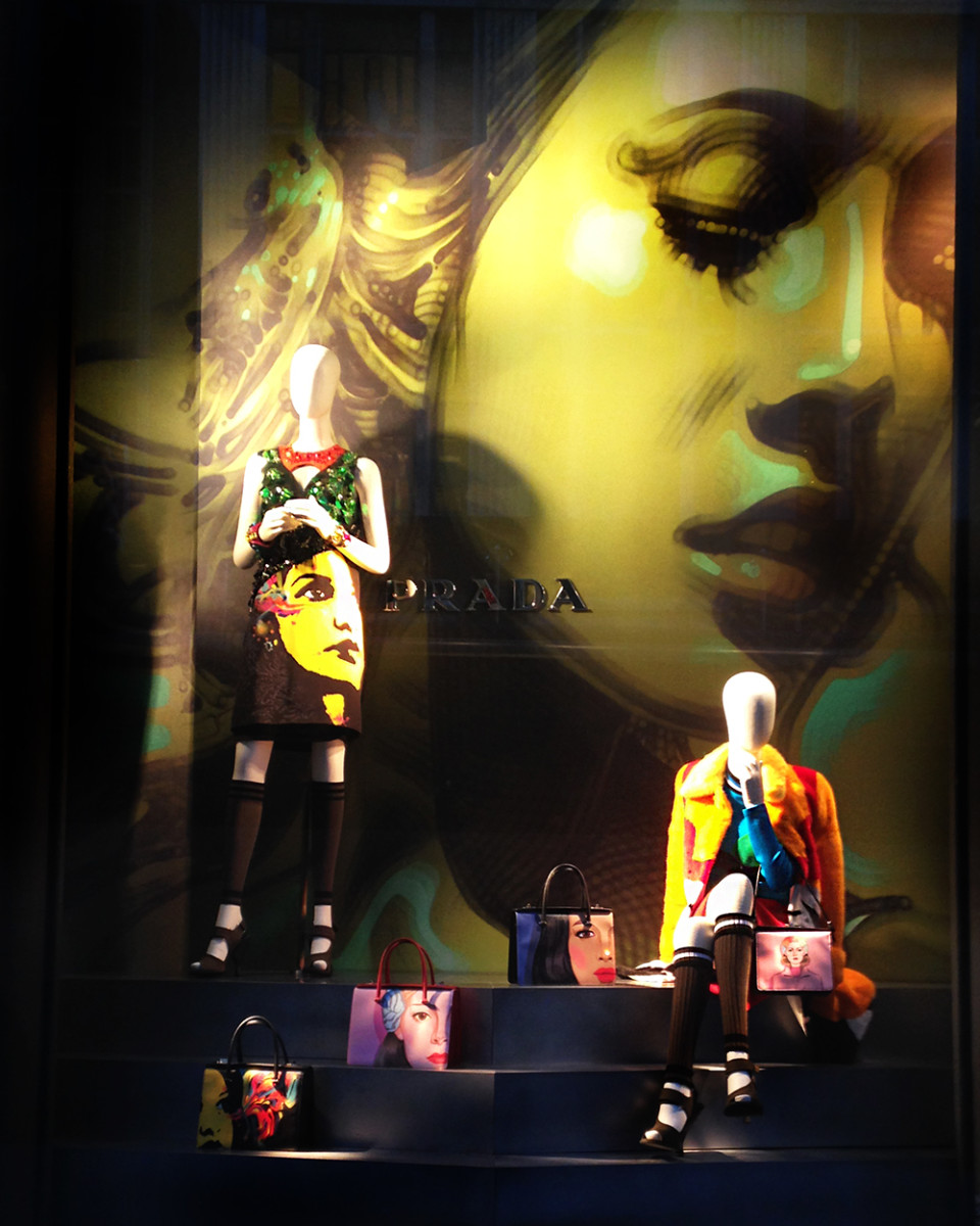 best-window-displays_bergdorf-goodman_2014_spring_prada_06