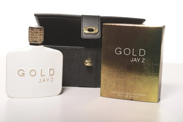 best-window-displays_jay-z_2013_gold-interactive-window-display_10