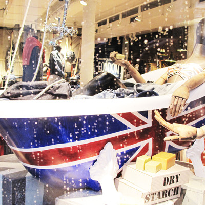 Pepe Jeans 'London Bathtub' Spring Window Display