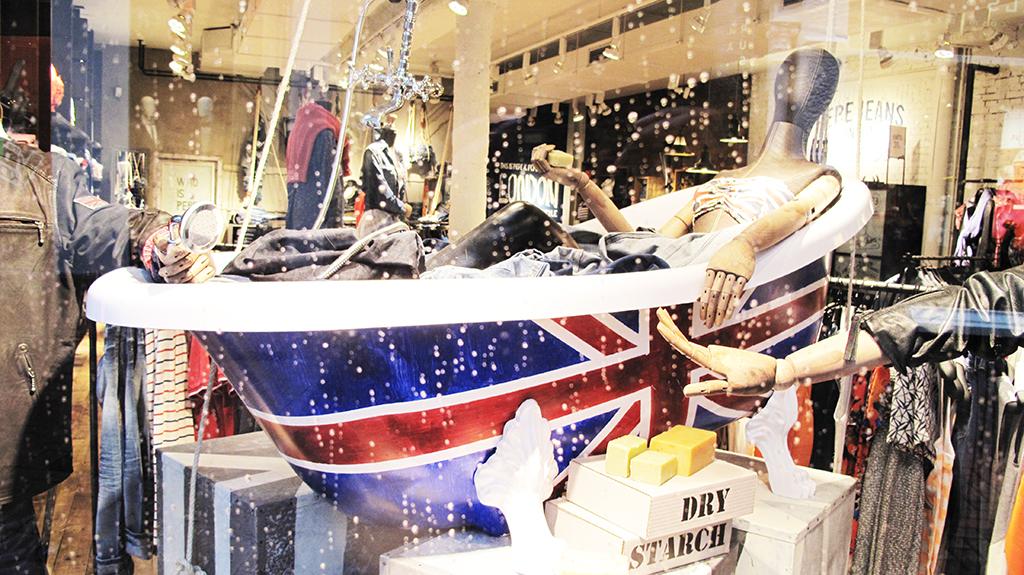Pepe Jeans London Bathtub Spring Window Display Best Window Displays