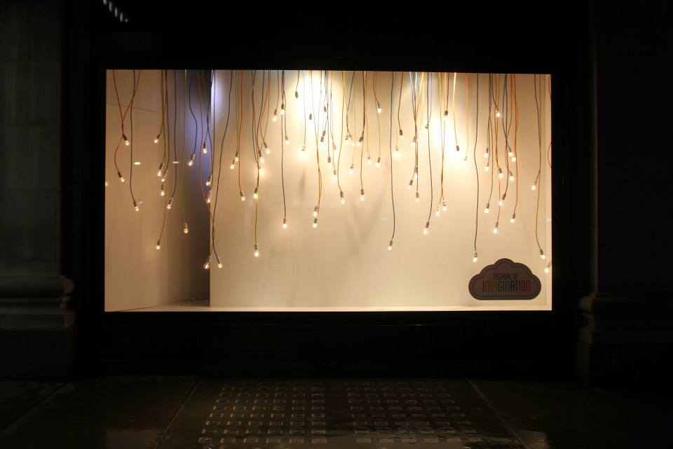 best-window-displays_selfridges_2014_festival-of-imagination_20