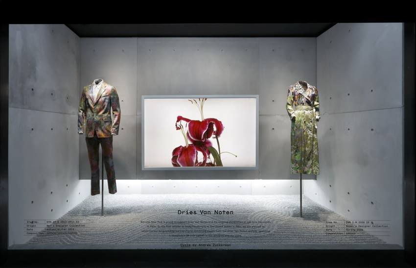 best-window-displays_barneys_2014_spring_dries-van-noten-inspirations_15