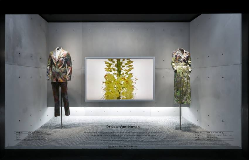 best-window-displays_barneys_2014_spring_dries-van-noten-inspirations_16