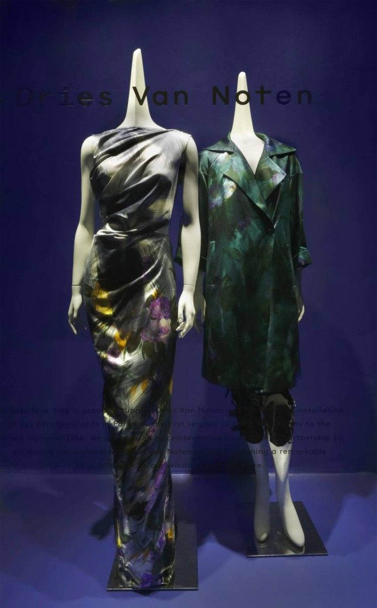 best-window-displays_barneys_2014_spring_dries-van-noten-inspirations_19