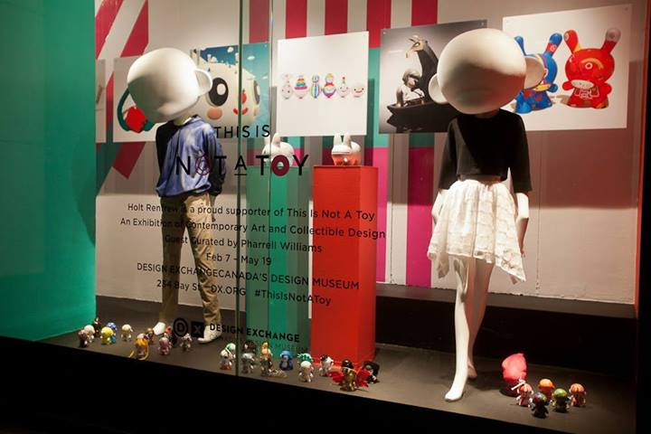 best-window-displays_holt-renfrew_2014_this-is-not-a-toy_02