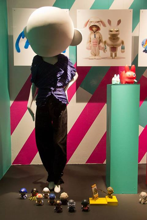 best-window-displays_holt-renfrew_2014_this-is-not-a-toy_03