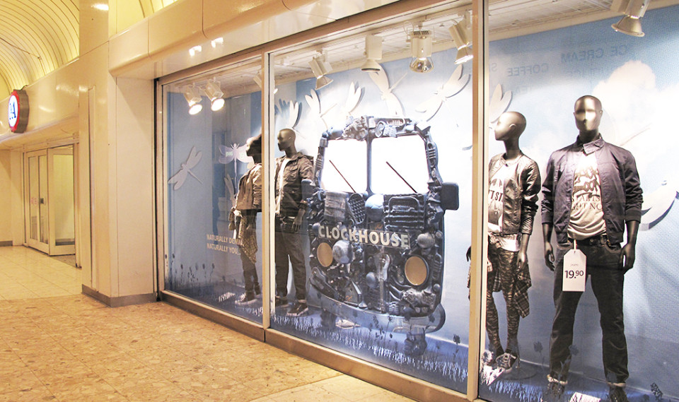 best-window-displays_C&A_2014_spring_clockhouse-denim_02