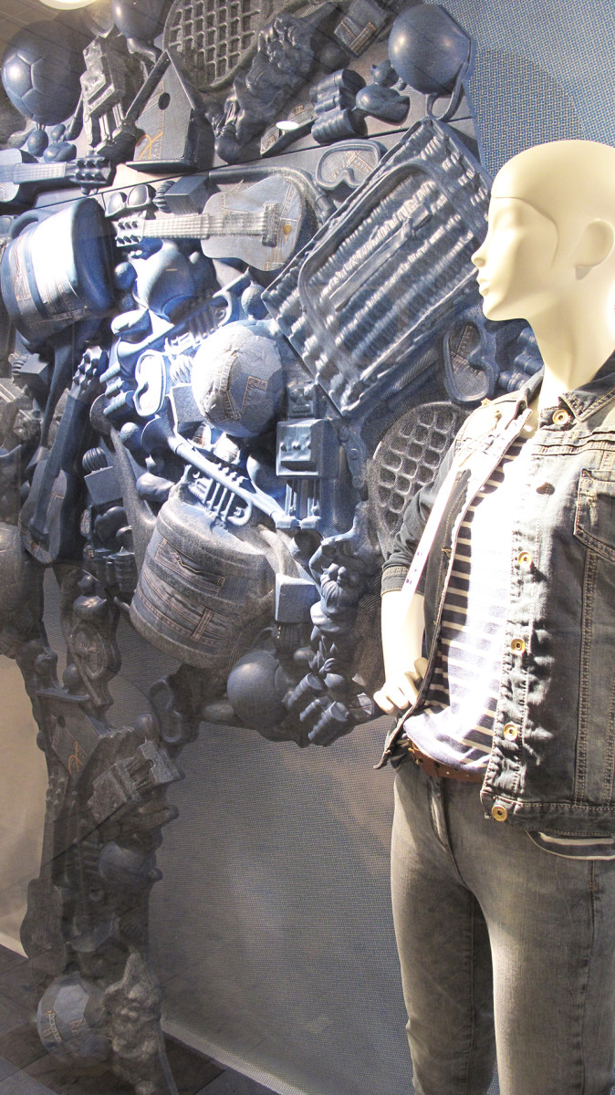best-window-displays_C&A_2014_spring_clockhouse-denim_08