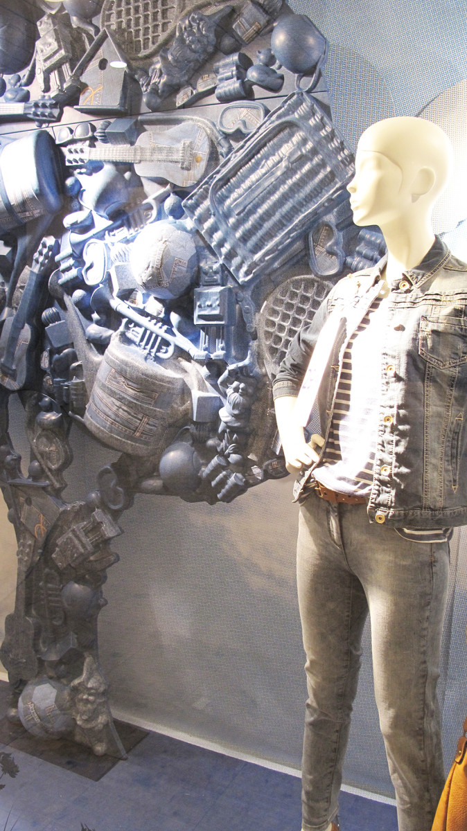 best-window-displays_C&A_2014_spring_clockhouse-denim_12