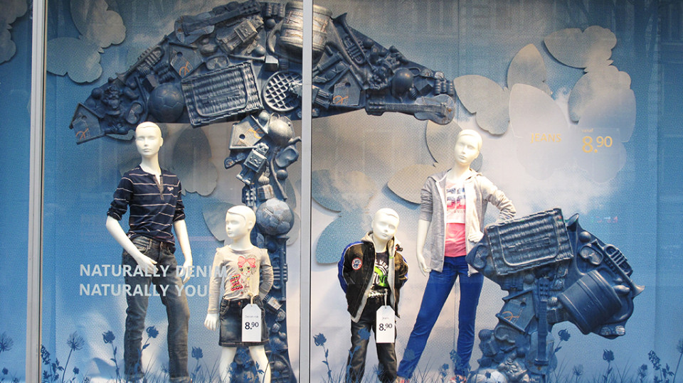 best-window-displays_C&A_2014_spring_clockhouse-denim_20