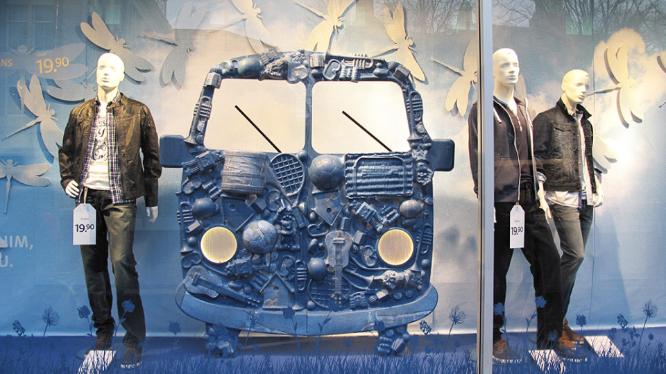 best-window-displays_C&A_2014_spring_clockhouse-denim_23