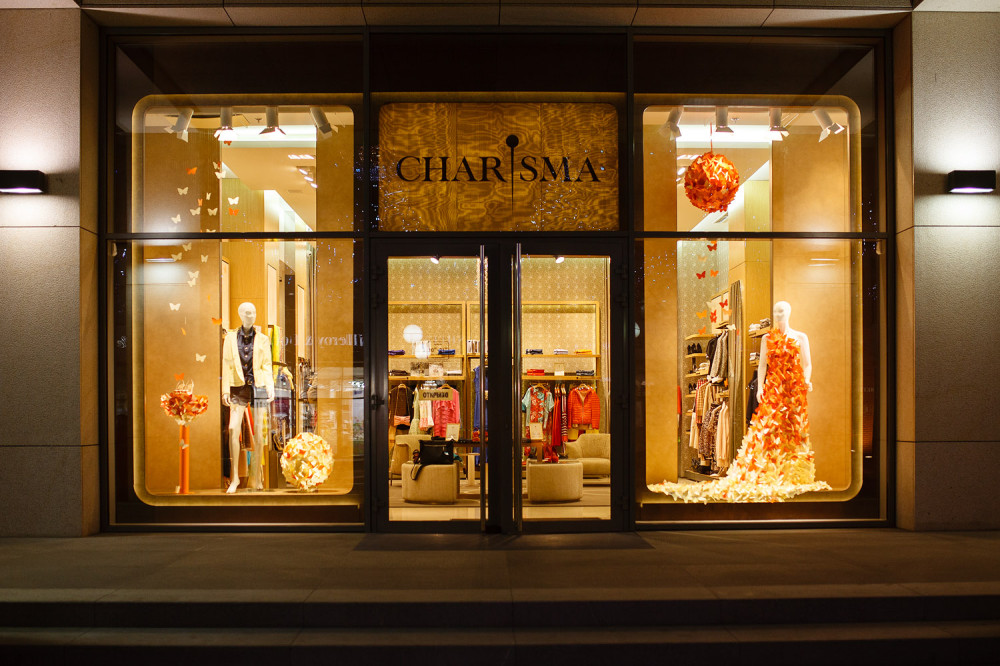 CHARISMA FG Spring Window Display by ARTLEVEL design studio | Best ...