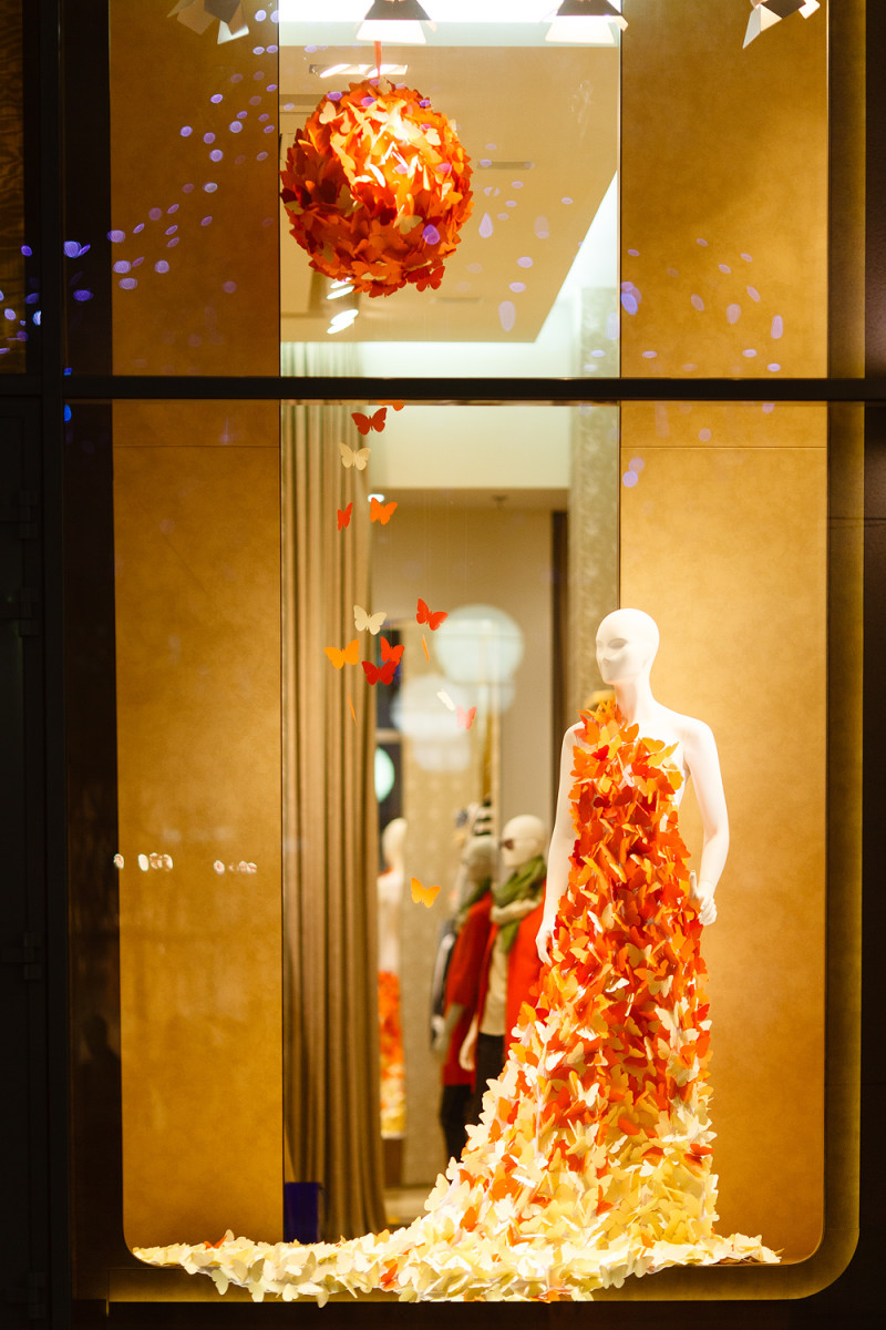 best-window-displays_charisma-fg_2014_spring_artlevel-design-studio_07