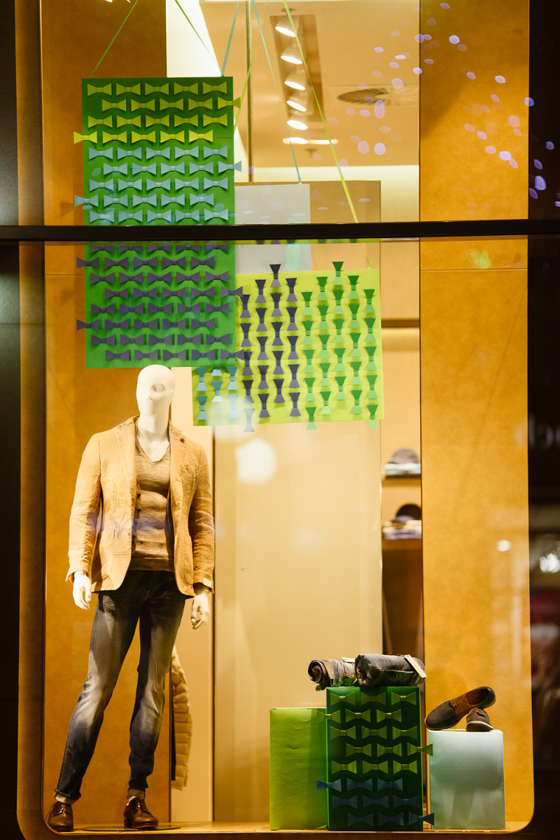 best-window-displays_charisma-fg_2014_spring_artlevel-design-studio_11