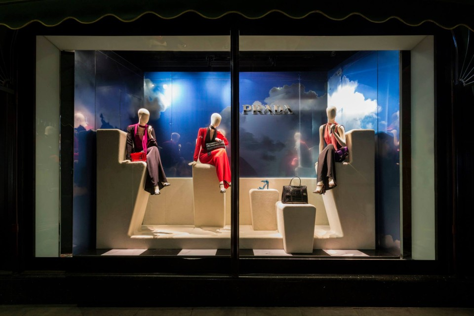 best-window-displays_harrods_2014_spring_prada-pradasphere_02