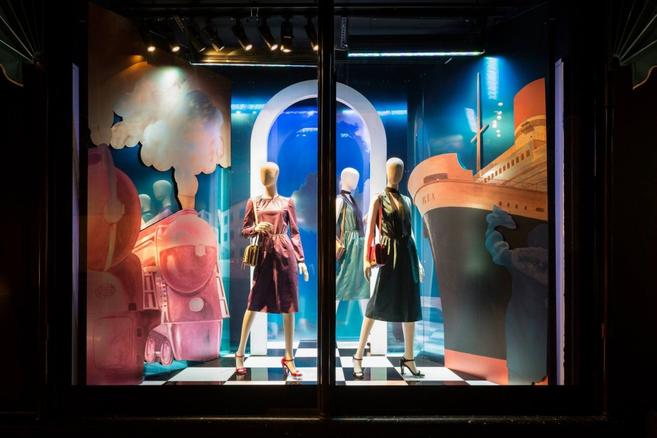 best-window-displays_harrods_2014_spring_prada-pradasphere_03