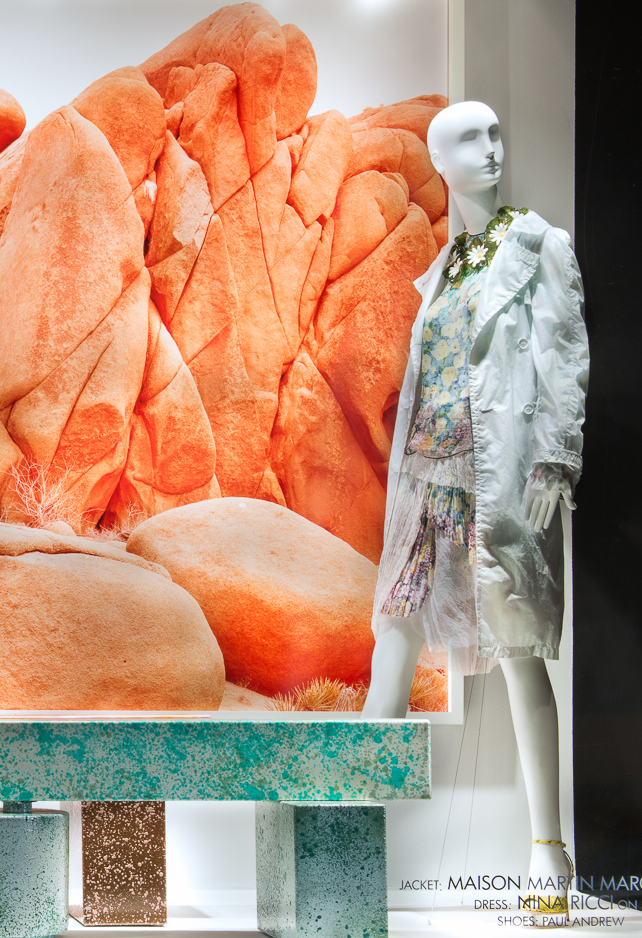 best-window-displays_2014_spring_frieze-art-fair_salon-94_04_nina-ricci