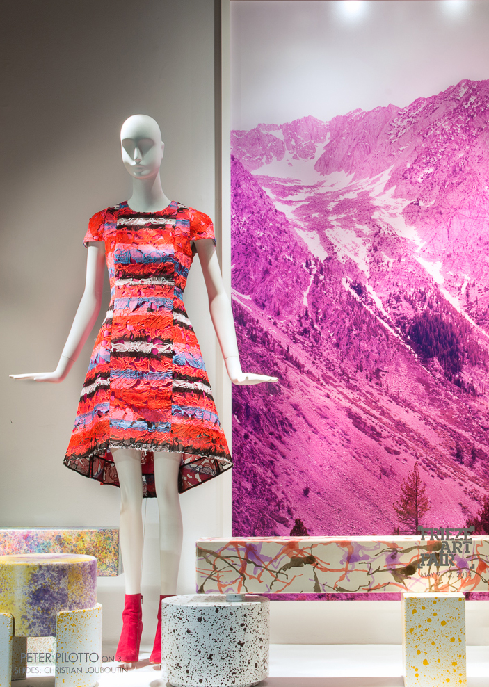 best-window-displays_2014_spring_frieze-art-fair_salon-94_06
