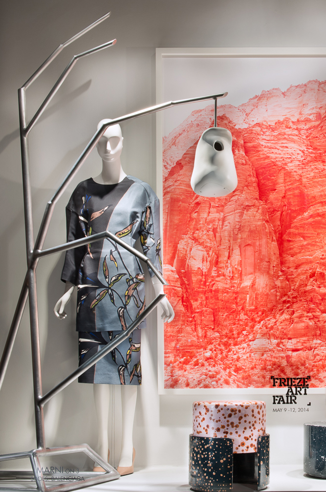 best-window-displays_2014_spring_frieze-art-fair_salon-94_10_marni