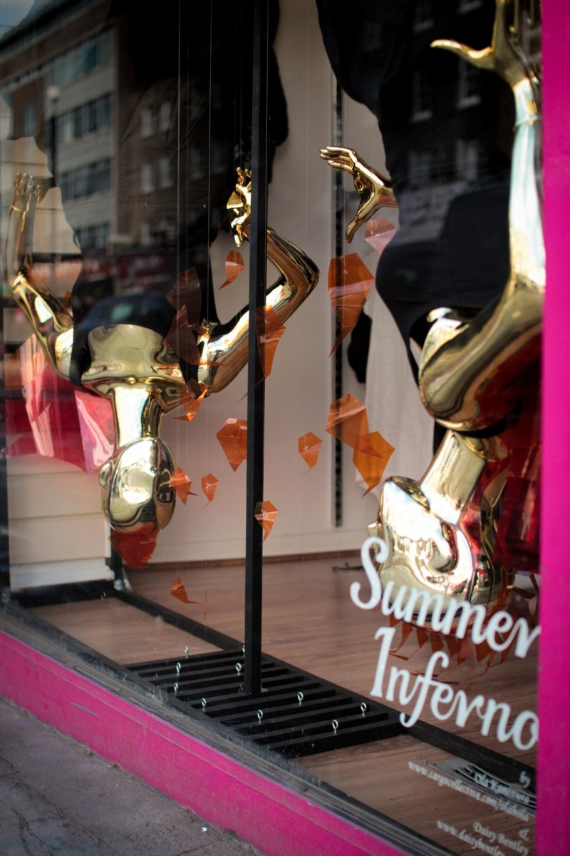 best-window-displays_camden-create-festival_2014_summer-inferno_tunnel-studios_02