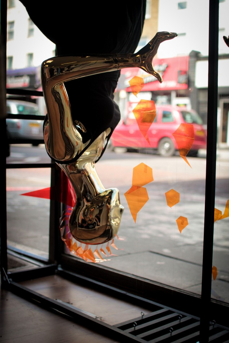 best-window-displays_camden-create-festival_2014_summer-inferno_tunnel-studios_04