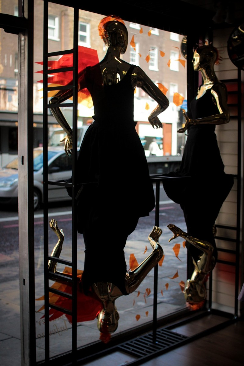 best-window-displays_camden-create-festival_2014_summer-inferno_tunnel-studios_11
