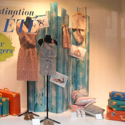 CYRILLUS 'Destination ÉTÉ' Summer Window Display by Tomish Design