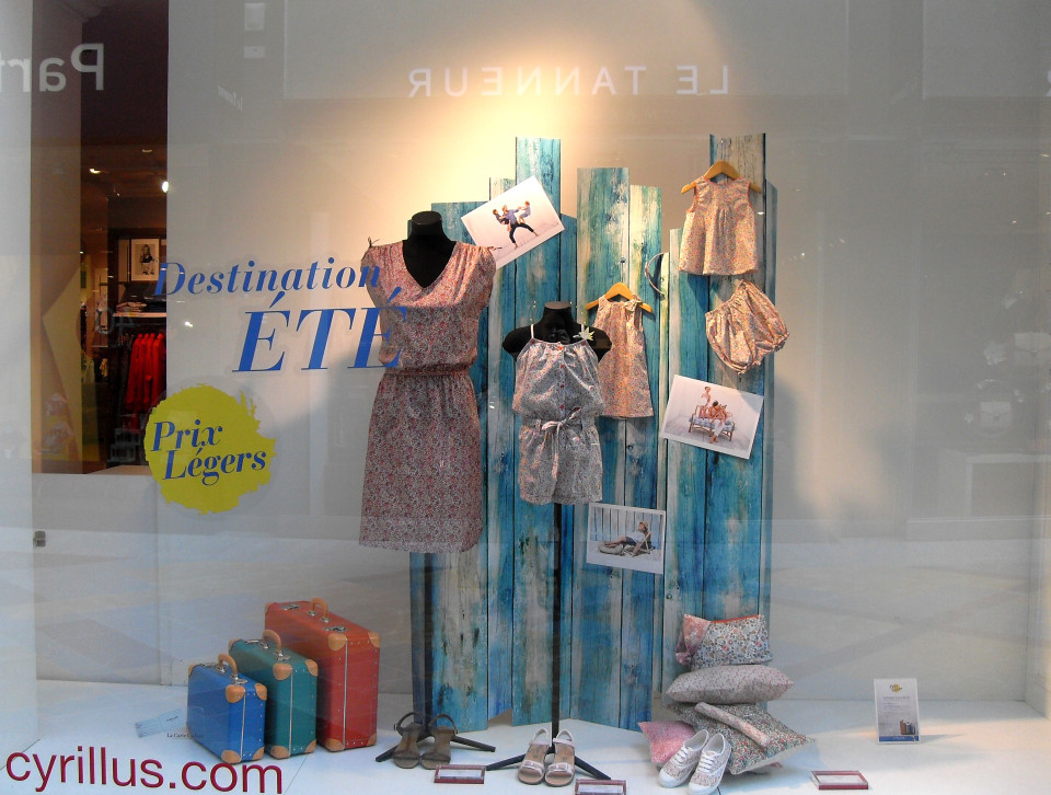 CYRILLUS summer window display 2014 - Desitination ETE