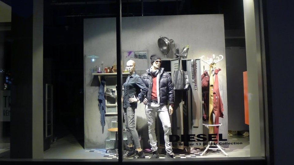 best-window-displays_diesel_2013_fall_colour-mutation_02