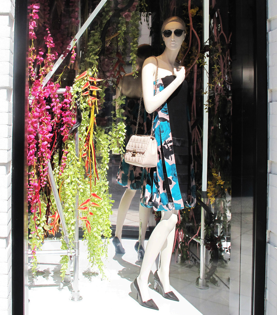 best-window-displays_dior_2014_spring_floral_06