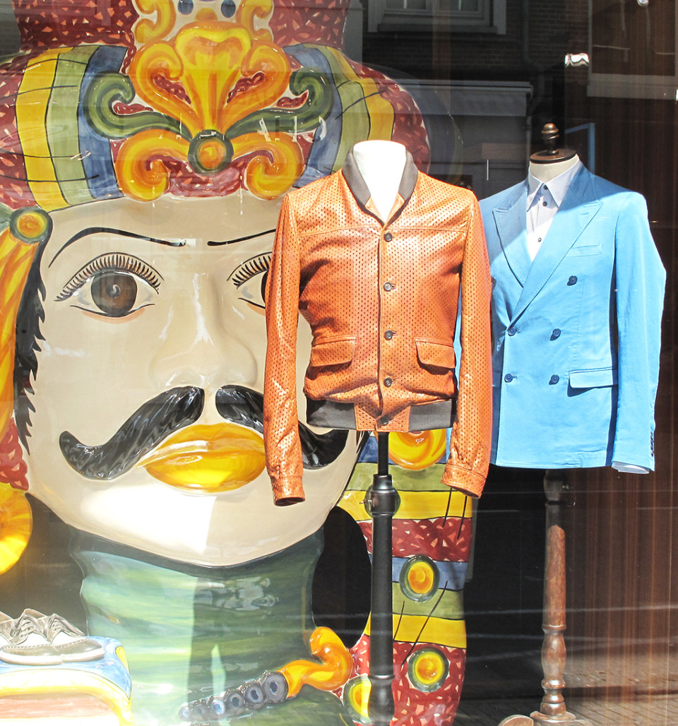 best-window-displays_dolce-and-gabbana_2014_spring_moorish-heads_11
