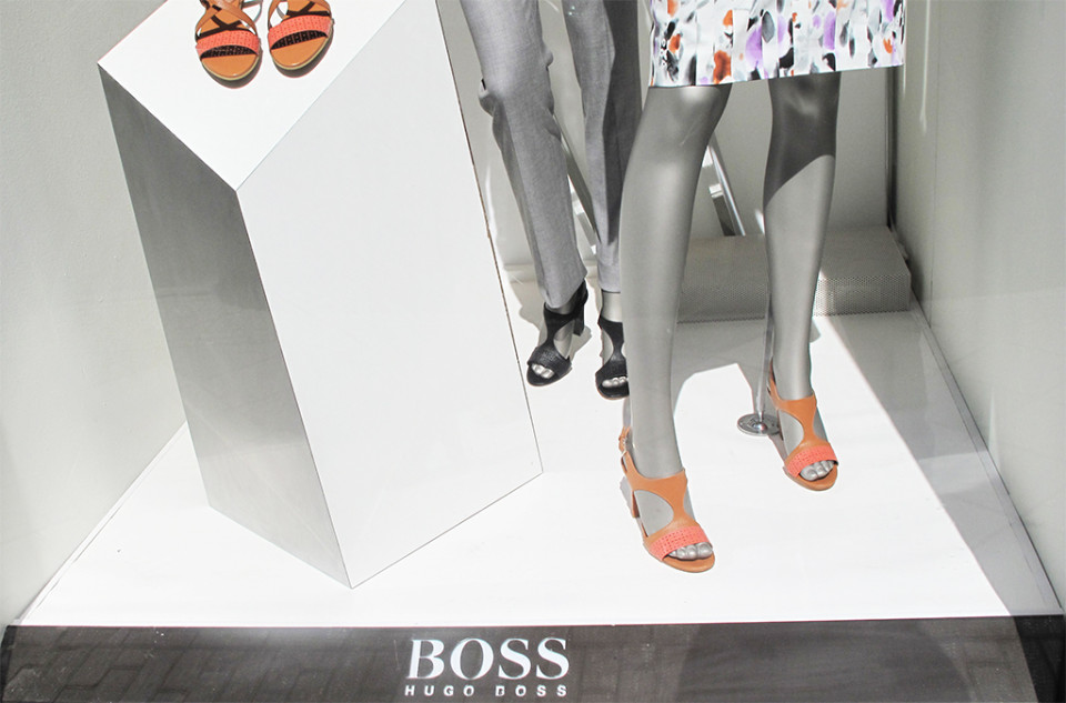 best-window-displays_hugo-boss_2014_spring_abstract_07