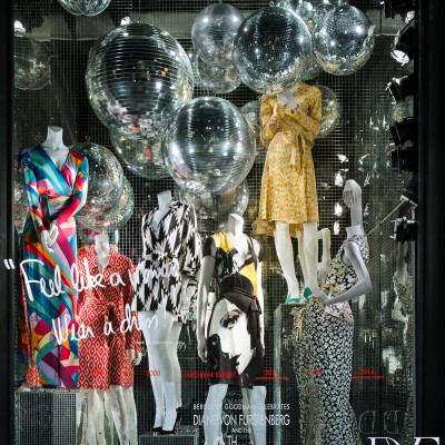 "Diane von Furstenberg ""Feel like a woman, wear a dress!"" Window Display"
