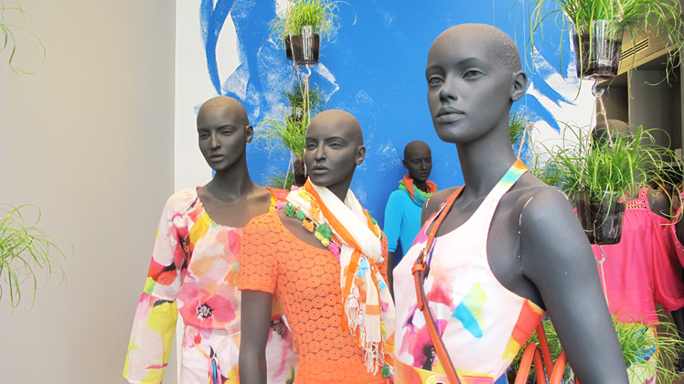 best-window-displays_caroline-biss_2014_summer_02