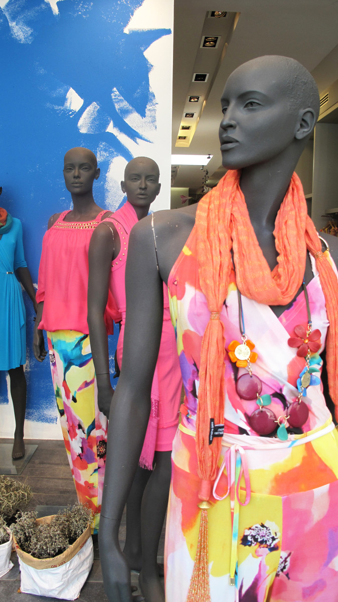 best-window-displays_caroline-biss_2014_summer_04