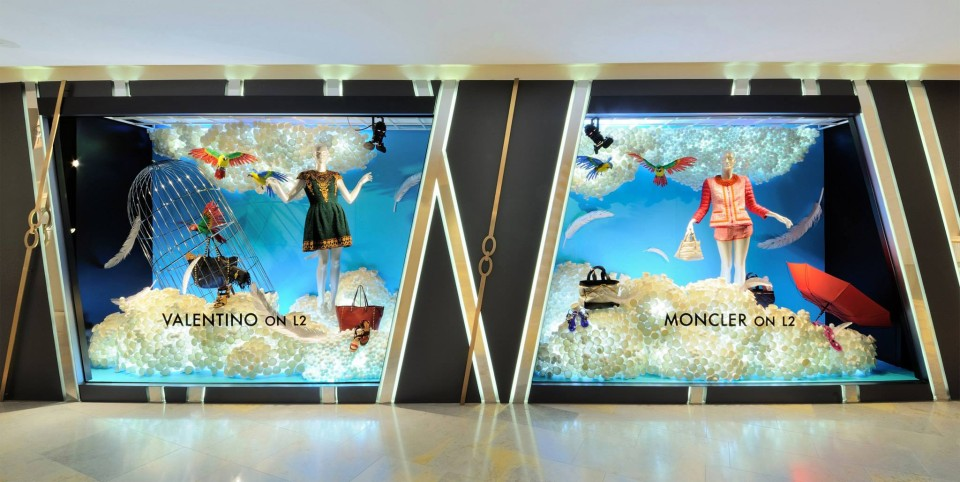 best-window-displays_harvey-nichols-hk_2014_summer_the-objects_03