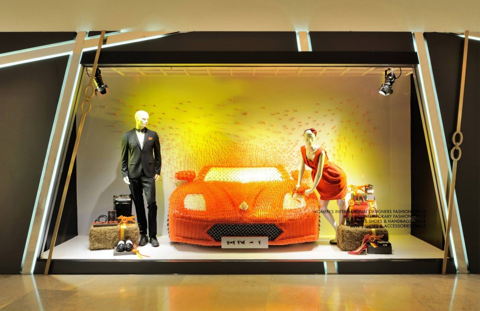 best-window-displays_harvey-nichols-hk_2014_summer_the-objects_08