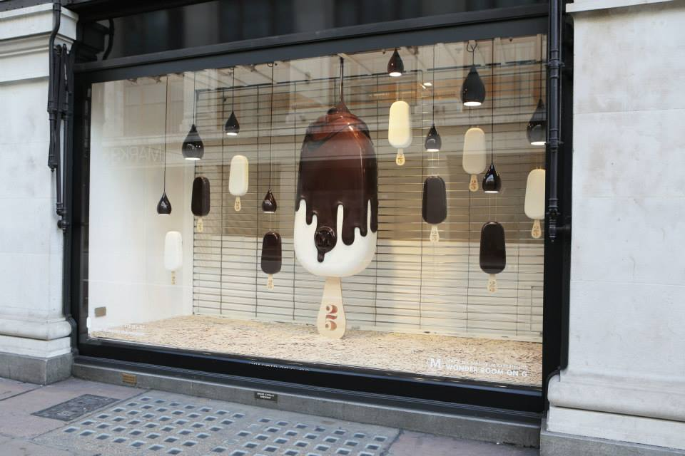 best-window-displays_selfridges_2014_summer_make-my-magnum_03