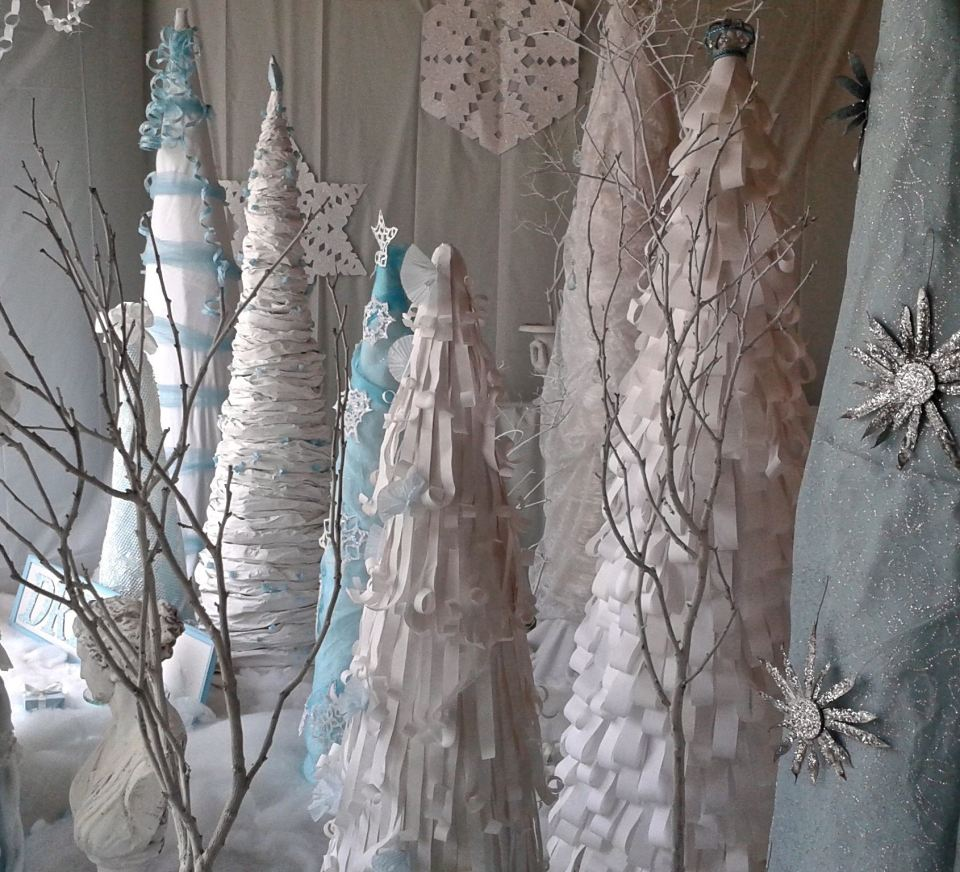 Bridge of Art Holiday Window Displays 2014