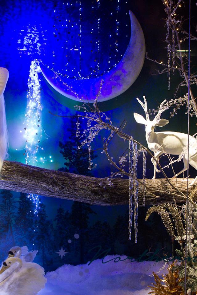 best-window-displays_holt-renfrew_2014_christmas_nothern-lights_04
